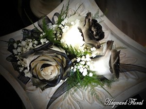 CRG-011 Roses Corsage