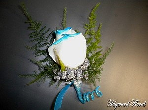 BTN-012 Rose Boutonniere
