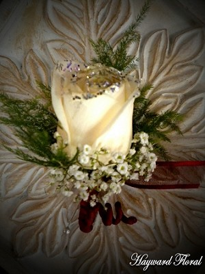 BTN-020 Rose Boutonniere
