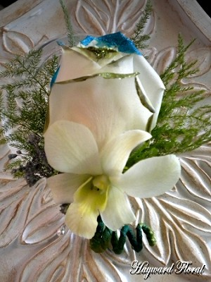 BTN-032 Orchid & Rose Boutonniere