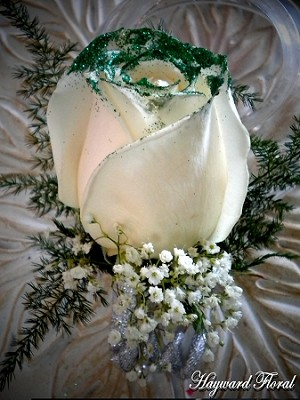 BTN-035 Rose Boutonniere