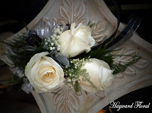 CRG-010 Roses Corsage