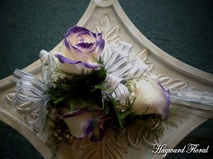 CRG-018 Roses Corsage