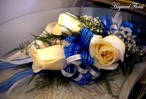 CRG-064 Roses Corsage